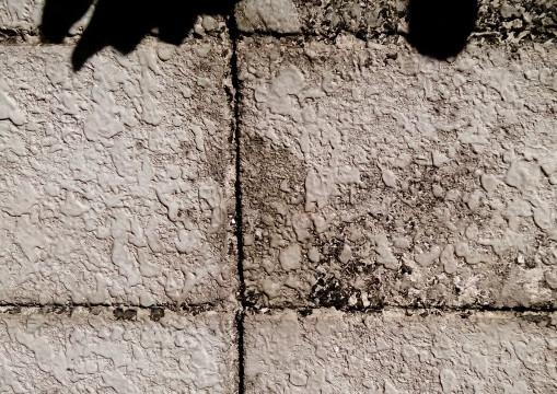 外壁を劣化させる原因とは?